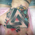 бесконечный треугольник тату - фото пример классной татуировки от 14072016 2