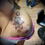 тату лилия на плече - фото пример татуировки от 13072016 1