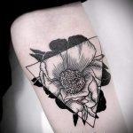 цветы в треугольнике тату - фото пример классной татуировки от 14072016 2