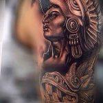 Tattoo-Gott der Sonne - ein kühles Foto des fertigen Tätowierung auf 14072016 2