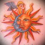 Tattoo Monat und die Sonne - ein kühles Foto des fertigen Tätowierung auf 14072016 1
