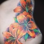 lily tatouage sur son ventre - par exemple Photo du tatouage 13072016 1