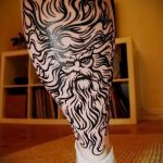 soleil tatouage sur sa jambe - une photo fraîche du tatouage fini 14072016 1