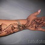 красивое мехенди на руке - фото временной тату хной 4210 tatufoto.ru