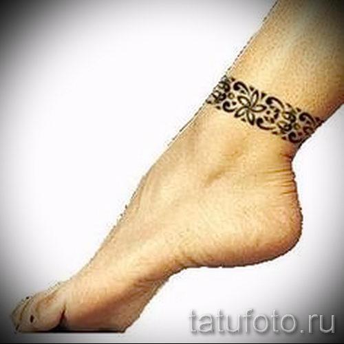 Фото татуировка браслет на ноге