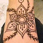 мехенди на ноге цветы - варианты временной тату хной от 05082016 1189 tatufoto.ru