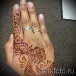 мехенди на правой руке - фото временной тату хной 1244 tatufoto.ru