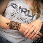 мехенди на руке браслет - фото временной тату хной 1254 tatufoto.ru