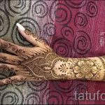 мехенди на руке корона - фото временной тату хной 1334 tatufoto.ru