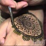 мехенди на руке ловец снов - фото временной тату хной 3349 tatufoto.ru