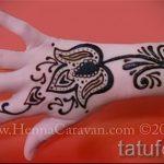 мехенди на руке лотос - фото временной тату хной 2364 tatufoto.ru