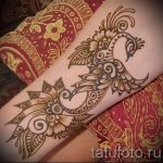 мехенди на руке павлин - фото временной тату хной 4395 tatufoto.ru