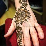 мехенди на руке цветок - фото временной тату хной 2442 tatufoto.ru