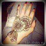 мехенди на руке цветы - фото временной тату хной 2449 tatufoto.ru
