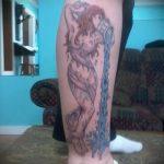 тату водолей на ноге - фото - пример готовой татуировки от 01082016 3128 tatufoto.ru