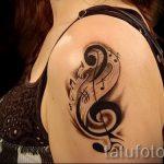 тату ноты и скрипичный ключ - фото готовой татуировки от 02082016 7109 tatufoto.ru