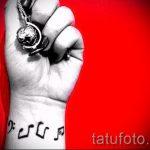 тату ноты на запястье - фото готовой татуировки от 02082016 34148 tatufoto.ru