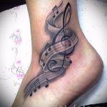 тату ноты на ноге - фото готовой татуировки от 02082016 3154 tatufoto.ru