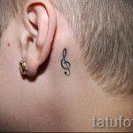 тату ноты на шее - фото готовой татуировки от 02082016 1172 tatufoto.ru
