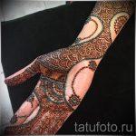 узоры мехенди на руке - фото временной тату хной 2485 tatufoto.ru