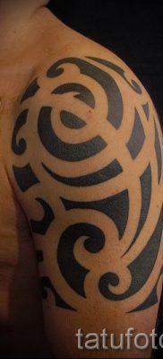 фото – татуировки в стиле трайбл – пример для статьи про значение 1069 tatufoto.ru