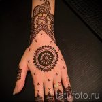 Bilder mehendi an den Händen - Foto temporäre Henna-Tattoo 2006 tatufoto.ru