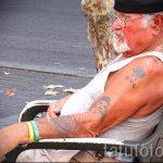 Es sieht aus wie eine Tätowierung in seinem Alter - ein Beispiel für ein Foto 01082016 6