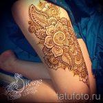 Mehendi auf dem Bein am Oberschenkel - Optionen für temporäre Henna-Tattoo auf 05082016 2037 tatufoto.ru