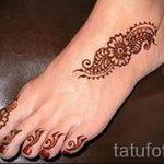 dessins au henné sur la lumière du pied - variations sur un tatouage au henné temporaire 05082016 2008 tatufoto.ru