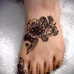 fleurs mehendi pieds - options pour tatouage au henné temporaire sur 05082016 1012 tatufoto.ru