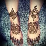 mandala mehendi on her leg - options for temporary henna tattoo on 05082016 1029 tatufoto.ru