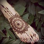 mandala mehendi sur sa jambe - options pour tatouage au henné temporaire sur 05082016 1030 tatufoto.ru