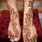 mehendi Designs am Bein für Anfänger - Optionen für temporäre Henna-Tattoo auf 05082016 2054 tatufoto.ru