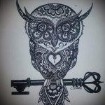 mehendi Eule auf seinem Bein - die Möglichkeiten der temporären Henna-Tattoo auf 05082016 1059 tatufoto.ru