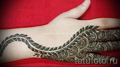 mehendi muster auf der hand eine tempor re henna tattoo. Black Bedroom Furniture Sets. Home Design Ideas