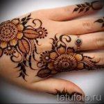 mehendi Muster auf der Hand - eine temporäre Henna-Tattoo Foto 16086 tatufoto.ru