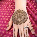mehendi Muster auf der Hand - eine temporäre Henna-Tattoo Foto 2081 tatufoto.ru