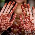 mehendi an den Händen von zwei Fotos - Fotos temporäre Henna-Tattoo 1020 tatufoto.ru