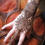 mehendi auf Handgeometrie - eine temporäre Henna-Tattoo Foto 1054 tatufoto.ru