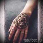 mehendi auf der Hand Mandala - eine temporäre Henna-Tattoo Foto 2032 tatufoto.ru