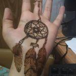 mehendi auf der Hand Traumfänger - Bild temporäre Henna-Tattoo 1034 tatufoto.ru