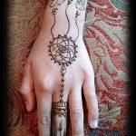 mehendi auf der Hand Traumfänger - Bild temporäre Henna-Tattoo 3036 tatufoto.ru