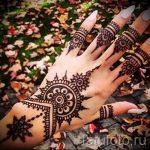 mehendi auf einer Hand Foto für Mädchen - eine temporäre Henna-Tattoo Foto 1045 tatufoto.ru