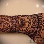 mehendi auf einer Hand Foto für Mädchen - eine temporäre Henna-Tattoo Foto 2046 tatufoto.ru
