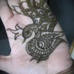 mehendi auf einer Hand Vogel - Bild temporäre Henna-Tattoo 1050 tatufoto.ru