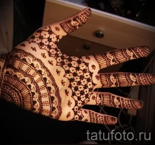 mehendi auf ihrem arm lichtmuster fr anfnger bild temporre henna tattoo 2066 tatufotoru - Henna Muster Fur Anfanger