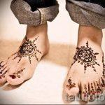 mehendi auf ihren Zehen - Optionen für temporäre Henna-Tattoo auf 05082016 3049 tatufoto.ru