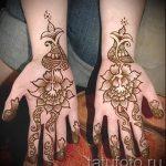 mehendi auf zwei Händen - eine temporäre Henna-Tattoo Foto 1070 tatufoto.ru