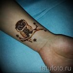 mehendi on a hand Owl - photo temporary henna tattoo 1090 tatufoto.ru