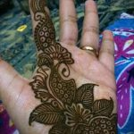 mehendi on a hand photo for girls - a temporary henna tattoo photo 2092 tatufoto.ru